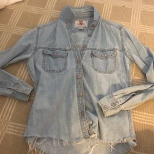 Size Small Levi's denim shirt